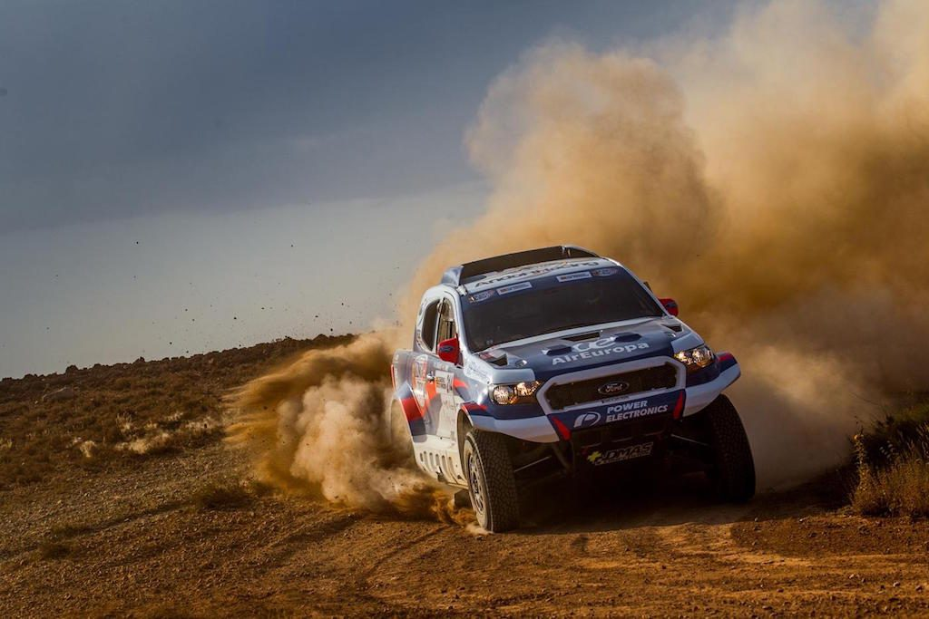 Xavier Pons pushes on with his DMAS South Racing Ford Ranger in Spain. Kopie